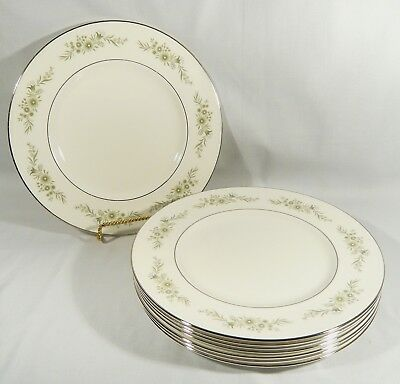 "8 Wedgwood Bone China DINNER PLATES 10 3/4 inch  pattern 4410  "" WESTBURY"""