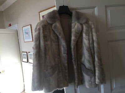 Gorgeous 1950's Double Breasted Woman's Mink Jacket - Fur in Perfect Condition
