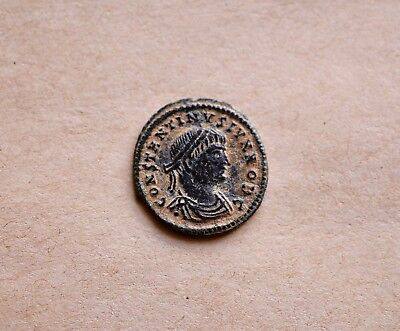 Roman bronze follis of emperor Constantine II (337-340). Very nice piece!