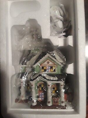 Department 56 New England Village Calico Quilts Lit Buildin 4050955 Retired 2017