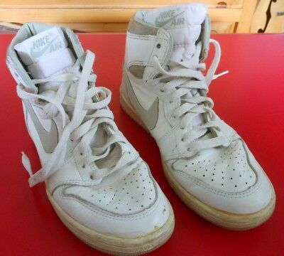 4d9c72893939 Vintage 1985 Nike Air Jordan 1 Original OG White   Neutral Grey Size 6.5  Shoes
