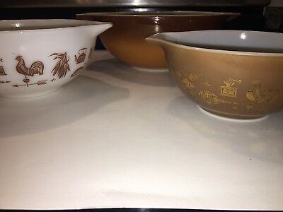 Vtg Pyrex Rooster Mixing Bowl Set Country Ovenware Brown White Gold