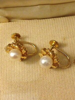 Vintage 9k Gold And Pearl Screw Back Earnings