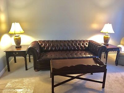 vintage Leather chesterfield Couch/sofa. Living room Set.