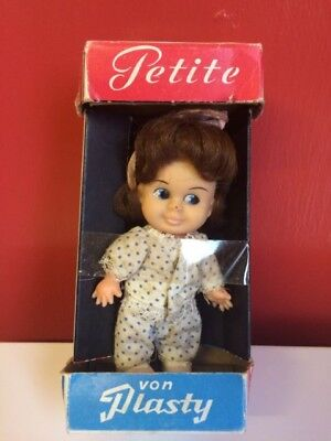 von plasty petitie dolls 10 in total £9 each all for £75