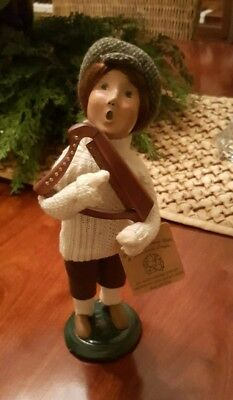 Byers Choice Carolers Boy w/ harp instrument -Fast shipping.