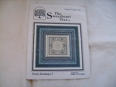 "Fiche Hardanger ""The Sweetheart Tree"" mod Teenie Hardanger 1 + breloque neuve"