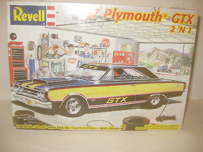 REVELL 1967 PLYMOUTH GTX 2DR HARDTOP factory sealed 1/25 scale