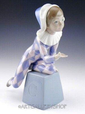 Lladro Figurine HARLEQUIN ON BLOCK LETTER C PIERROT CIRCUS #5077 Retired Mint