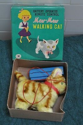 Retro 1950's Battery Operated Walking Cat Made In Japan