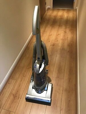 AN LG SLIMAX UPRIGHT VACUUM CLEANER