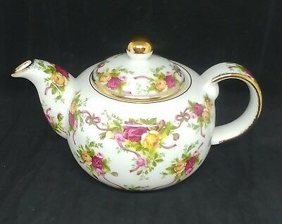 Royal Albert Old Country Roses Ruby Celebration 2001 Tea Pot with Lid