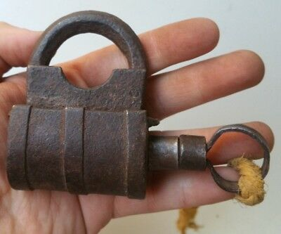 ANTIQUE OLD PADLOCK WITH KEY NO OPEN FOUNDRY IRON XIX th CENTYRY 78x55mm  Ref:16