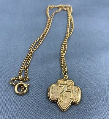 1950's Girl Scout Brownie PHOTO LOCKET Gold Toned Picture Necklace Pendant