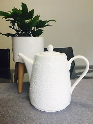 White 'Lacy' Look Teapot