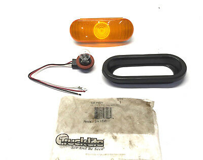 Truck-Lite 60 Series Oval Front Turn/Tail Light w/Grommet 60340Y NOS