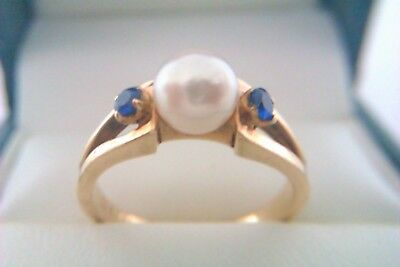 Beautiful 9ct Gold Sapphire & Pearl Ladies Ring Circa 1987