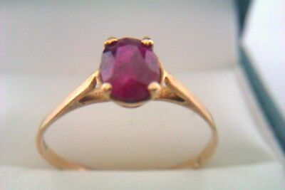 Beautiful Vintage 9ct Gold & Ruby Ladies Ring 1977