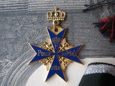 Rare Royal WW1 Imperial German early Model Blue Max Pour Le Merite golden crown