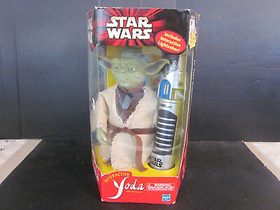2000 NOS Hasbro Toys Star Wars Interactive Yoda And Lightsaber Unused w Box