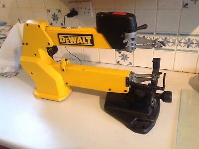 """Dewalt DW788 Scroll Saw,20"""" Variable Speed,Double Parallel Link Arm."""
