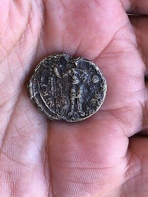 BYZANTINE LEAD SEAL/ BLEISIEGEL ICONOGRAPHICAL: 2 MILITARY SAINTS (ca 11th c.)