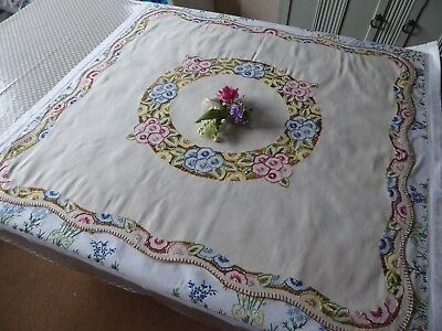 Vintage Hand Embroidered Linen Tablecloth=Beautiful  Flower Circle