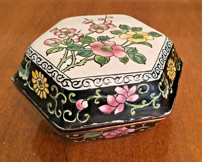 Vintage Pair of Hexagonal Chinese Cloisonne and Gilt Bronze Trinket Boxes
