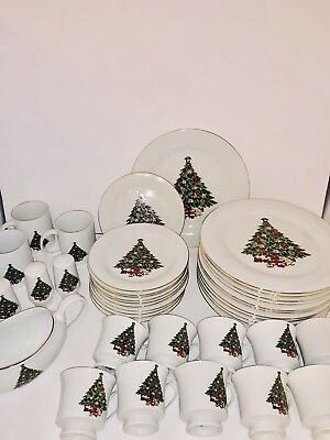42 Pc-Srv For 11- CHRISTMAS TREE BY SEA GULL FINE CHINA JIAN SHIANG *EXCELLENT*