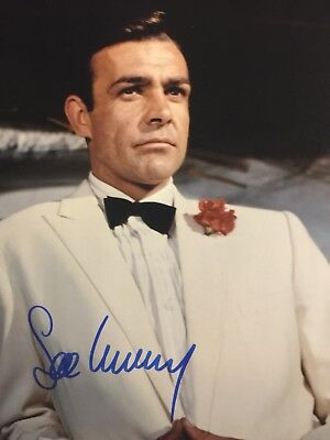 SEAN CONNERY SIGNED AUTOGRAPHED 8x10 GOLDFINGER PHOTO W/COA