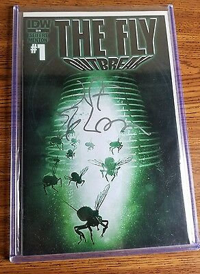 Jeff Goldblum signed The Fly outbreak #1 Book  Authentic Autograph  iD4