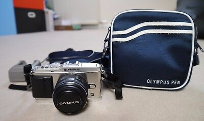 Olympus Pen E-P3 Compact System Camera - Silver (with Digital 14 -42mm lens)