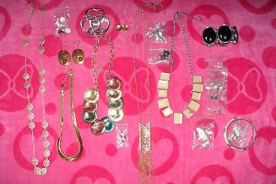 Lot of 20pcs of Costume Jewelry Necklaces, Earrings and Braclets