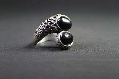 Auspicious Handwork Miao Silver Carve Feather Pattern Black Beads Fashion Ring