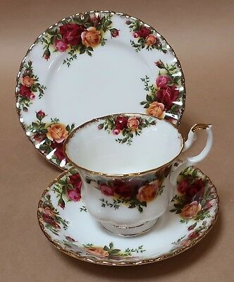 Vintage Royal Albert Old Country Roses Cup Saucer Plate Trio