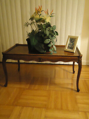 """Antique Medium  Wood Tone Queen Anne Style 35"""" Wood Coffee Table"""