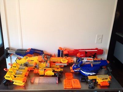 Large 17 Piece Lot of Nerf Guns and clips