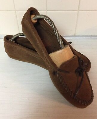 Minnetonka Women's size 9 Brown suede leather Moc Moccasin 343