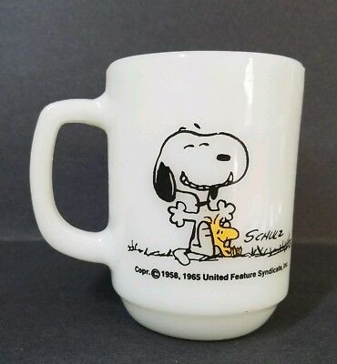 """PEANUTS Snoopy Fire King """"This Has Been A Good Day"""" 1965 Coffee Milk Mug Cup"""