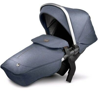 silver cross wave tandem seat midnight Colour Brand New