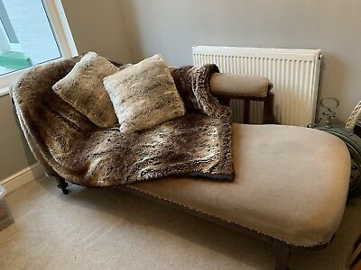 Victorian antique chaise longue