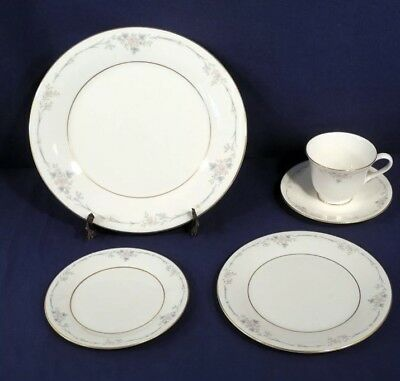 Royal Doulton China CLASSIQUE 5pc Place Set Dinner Salad Bread Butter Cup Saucer