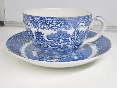 CRESCENT (George Jones & Sons)  WILLOW Pattern * CUP & SAUCER * (Blue & White)