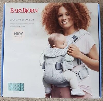 Baby Björn baby carrier One Air - Frost Green