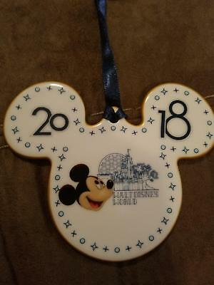 BRAND NEW 2018 Walt Disney World Mickey Mouse Porcelain Christmas Ornament