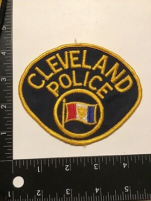 Vintage Early Wool CLEVELAND POLICE Patch Rare OH Mesh Back
