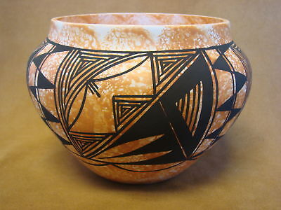 Native American Acoma Pot Hand Painted by S. Salvador PT0075