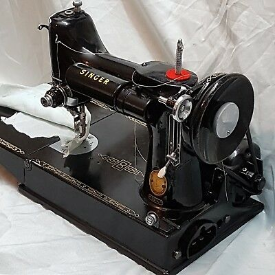 "Vintage~ ""Singer Featherweight""~ 221K Sewing Machine with Case & Accessories"