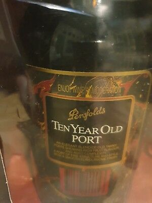 Penfolds 10 Year Old Port boxed with 2 glasses Tawny aged port
