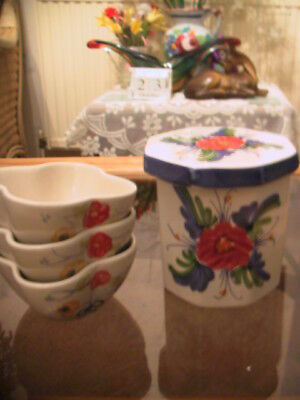 Collectable ten sided Hudson ceramic ware jar with lid and small dishes